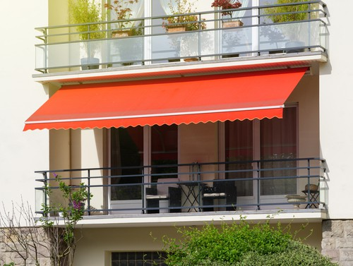 all-about-retractable-awnings-for-HDB-balcony