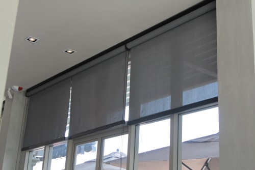 Pros and Cons of Home Roller Blind Installations
